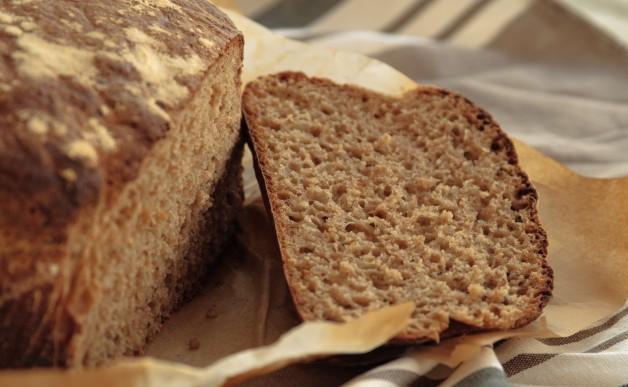 Chleb orkiszowo-pszenny, na zakwasie