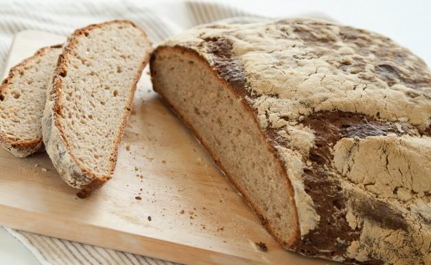 Chleb z cebulką i kminkiem