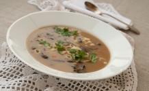 Zupa grzybowa ze świeżych leśnych grzybów