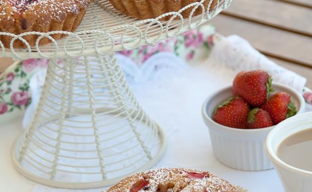 Babeczki waniliowo - truskawkowe z nutką cytrynową
