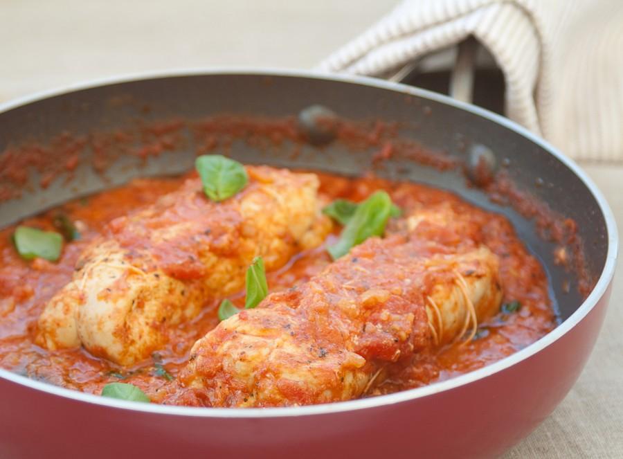 Roladki nadziewane bryndzą w pomidorach