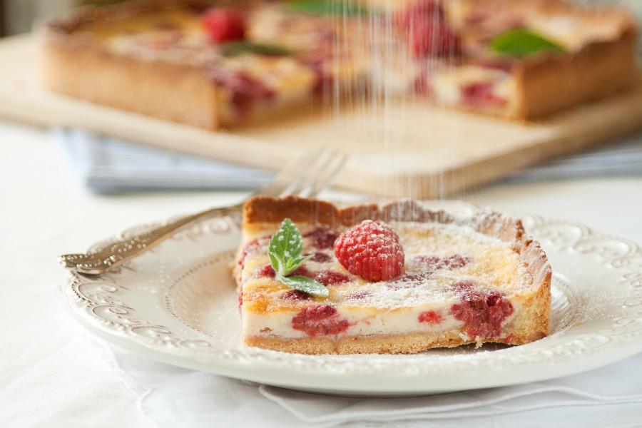 Malinowa tarta z kremem mascarpone